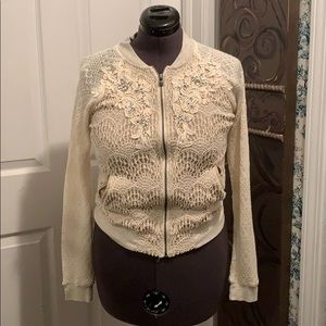 Lace sweater with crystal.